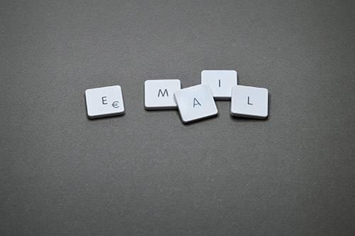 e-mail, kontakt, źródło: pexels