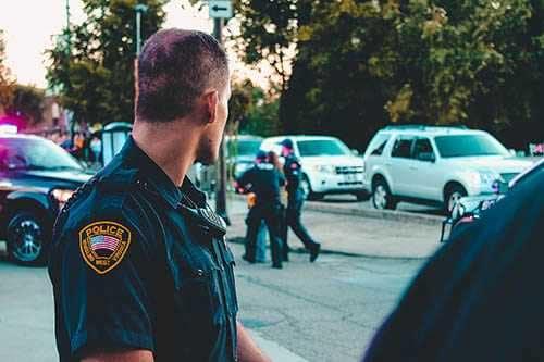 Policjant, źródło: pexels