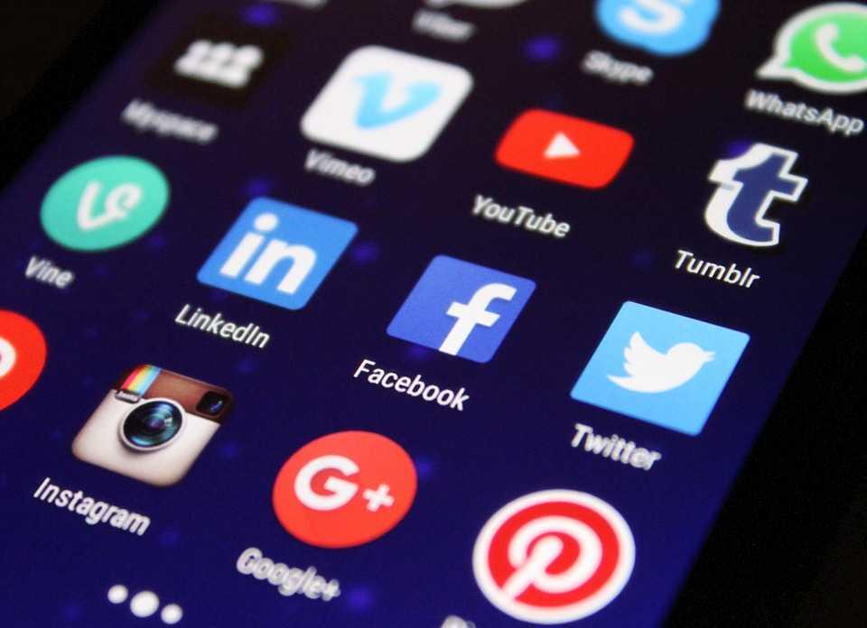 Social media na smartfonie!