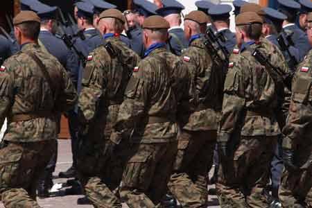 Wojsko na obchodach święta Sił Zbrojnych!