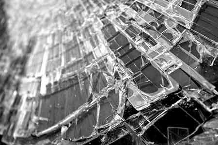 Szkło, wypadek, zdjęcie poglądowe!