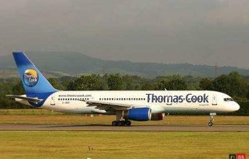 Samolot linii Thomas Cook, źródło: Wikimedia Commons