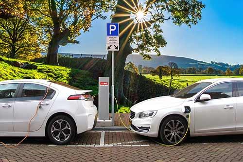 Świetlana przyszłość samochodów elektrycznych! foto: pixabay.com