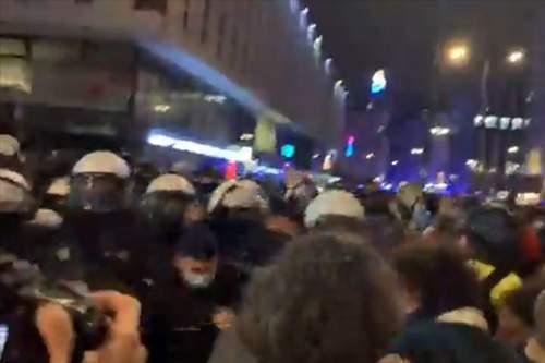 Strajk kobiet - policja użyła gazu łzawiącego!